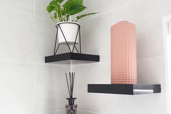 Illusion of space, small bathroom